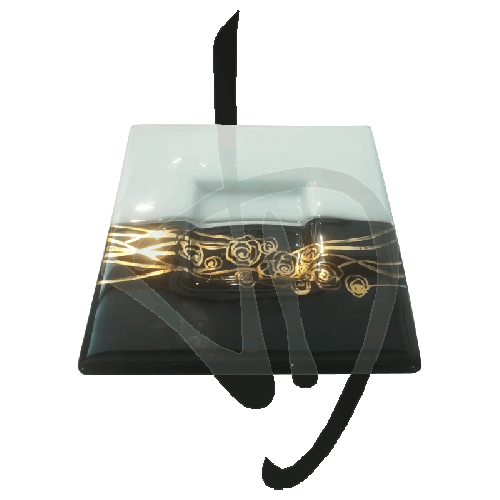 herzstueck-aus-muranoglas-schwarz-und-weiss-mit-goldener-verzierung-handgefertigt
