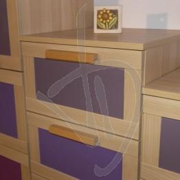 lackiertes-glas-aneboda-dresser-kleine