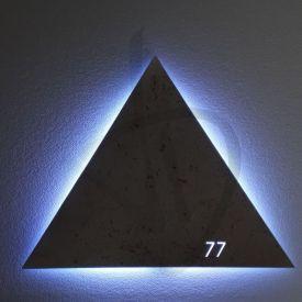 Specchio triangolare